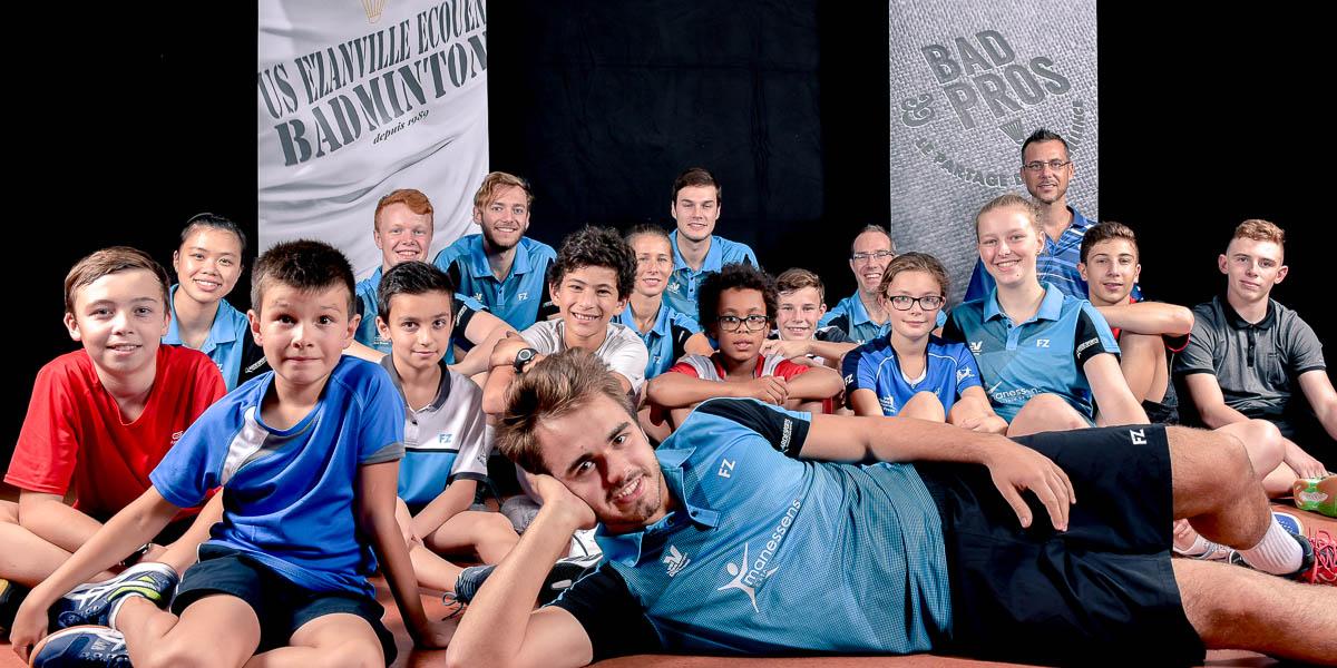 USEE Badminton Equipe1 Avec Les Jeunes Saison 2017 18